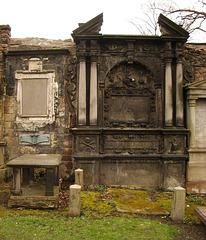 George Watson's tomb