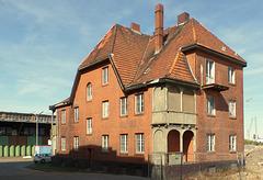Am Ende des Schuppens 51 steht das sog. Beamten-Wohnhaus