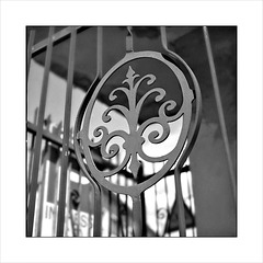 Napoli- Particolare di un cancello.