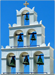 Santorini : 3 + 2 + 1 - le campane di Ecclesia Panagia Plantsani
