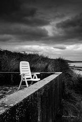 Seule sur la plage
