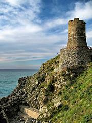 Torre di Capo Rocchi  (16th century watchtower)