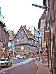 Besançon (25) 14 août 1974. Rue de la Madeleine (Diapositive numérisée).