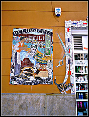 Valencia: mosaico en fachada.