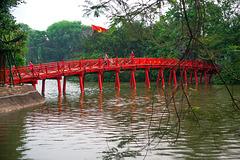 Huc bridge at Càu Thé Húc lake