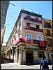 Valencia: fachada engalanada.