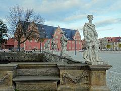 Blick vom Eingang des herzoglichen Wolfenbütteler Residenzschlosses auf das Zeughaus
