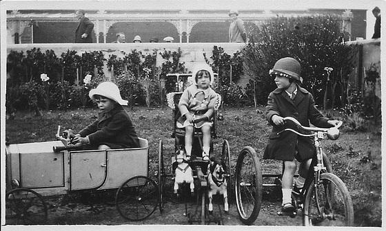 Mum, Peter & Val in 1925