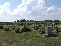 Country cemetery / Cimetière de campagne