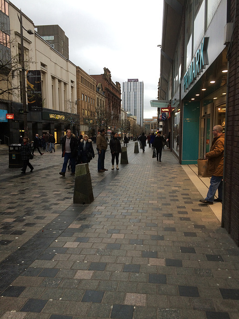Glasgow's streets on a wet January 3rd afternoon...Sauchiehall Street