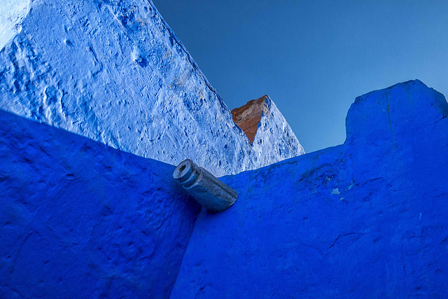 Azul contra azul (blue against blue) Santa Catalina Convent