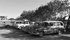 Taxis d'antan / Taxis of yester years (Cuba)