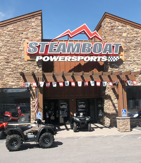 Steamboat store / Vapeurs commerciales