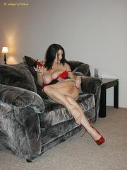 Vivienne / Angel of heels in red pumps