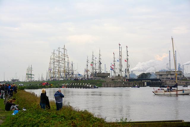 Sail 2015 – IJmuiden lock with tall ships