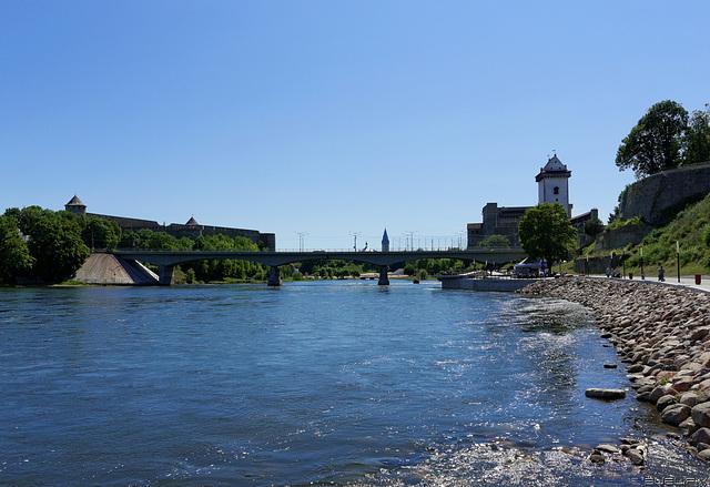 die Narva, Grenzfluss Estland - Russische Föderation  (© Buelipix)