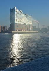 Leuchtpfad auf der Elbe