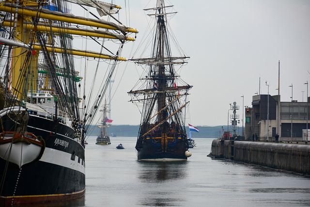 Sail 2015 – Götheborg entering the lock at IJmuiden