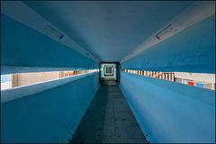 Edificio Girón - blue tubes