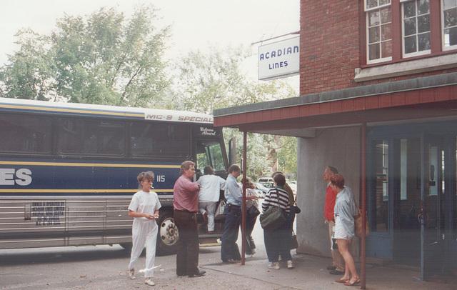 Acadian Lines 115 at Kentville - 11 Sep 1992 (Ref 177-31)