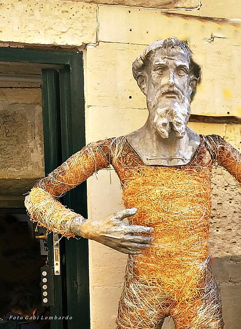 art of paper-mache' in Lecce