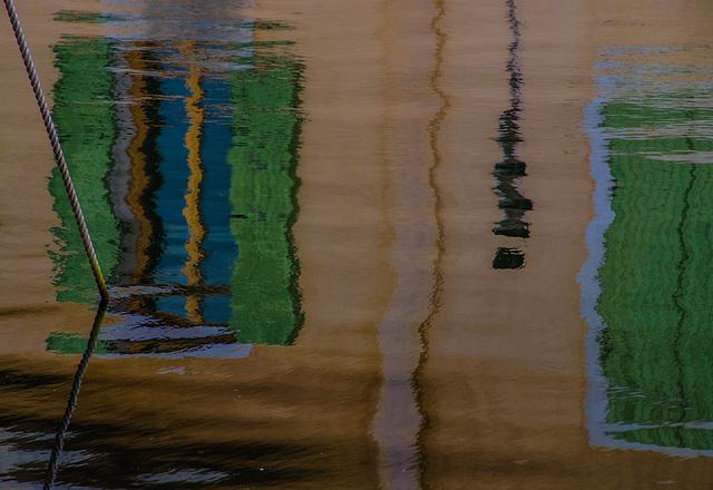 Un reflet pénétré..........................(on black)