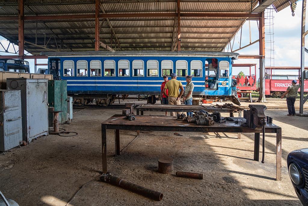 Rafael Freyre - the railway workshop