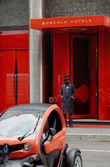 Ne pas confondre rouge sur fond noir et noir sur fond rouge !