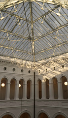 Glasdach über dem Innenhof (3xPiP)
