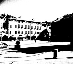 sole in piazza