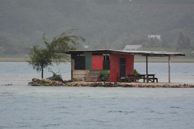 Polynésie Française, Fisherman's House on an Islet in the Lagoon of Raiatea Atoll