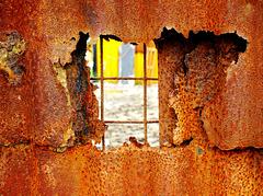 Rusty Peep-hole!!