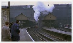 Churchill's train leaves Waterloo
