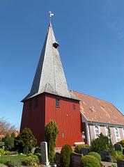 Kirchturm aus Holz: St. Marien in Hollern-Twielenfleth