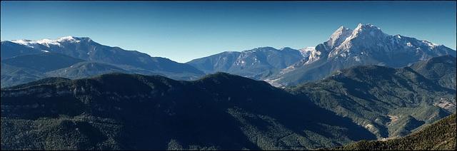 Serra d'Ensija i Pedraforca des del mirador del Orris
