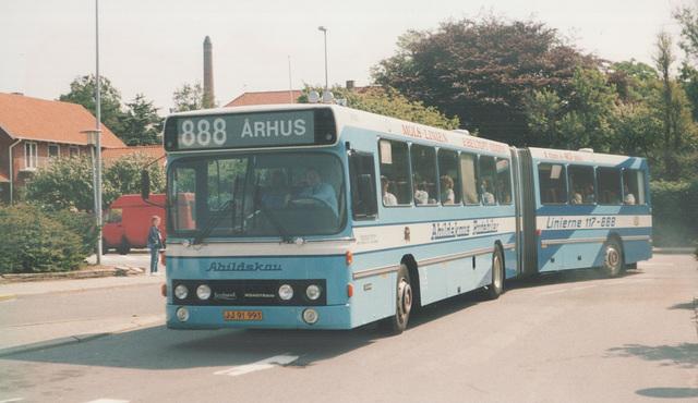 Abildskou 101 (JJ 91 993) (Trailer carried a different licence plate KP 44 76) at Ebeltoft (Ref: 67-26)