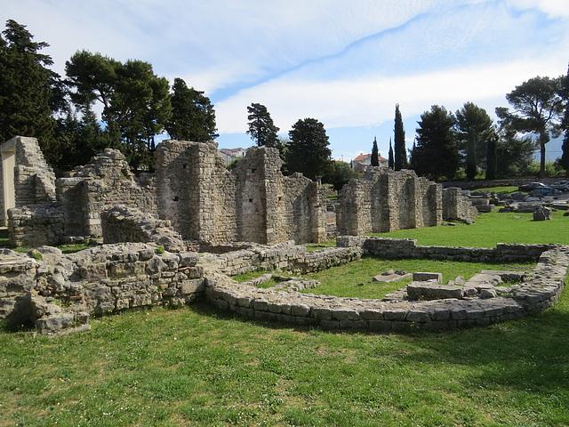Salona, Manastirine : chapelle latérale.