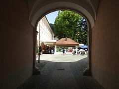 Zugang zum Klosterinnenhof