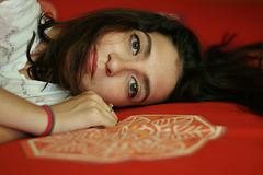 Anna : Le bracelet rouge