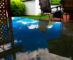 Le reflet sur ma table de patio…..