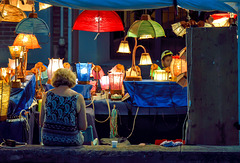 La venditrice di lampadari
