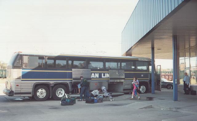 Acadian Lines 118 at Sydney (Nova Scotia) - 7 Sep 1992 (Ref 174-19)