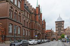 Burgstrasse und Burgtor (© Buelipix)