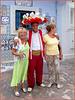 Hammamet : nella Medina, ultimo giorno di Ramadam : un tunisino cordiale chiede di fare una foto con due signore turiste italiane, fatta !