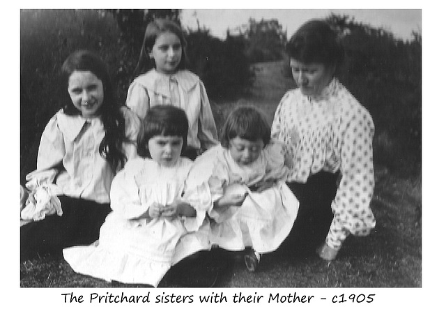 Lizzie Pritchard with her daughters - c1905