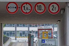 klare Beschiderung auch in Lübeck (© Buelipix)
