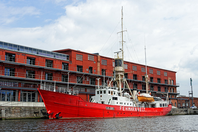 das Feuerschiff Fehmarnbelt im Hansahafen - Media Docks (© Buelipix)