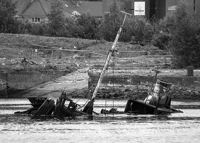 Wreck, River Leven, Dumbarton