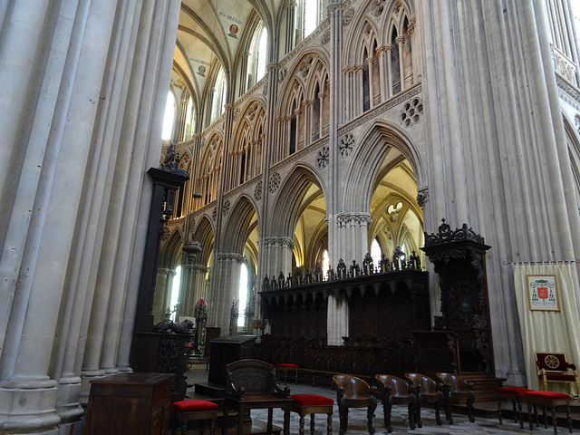 Exquisitely preserved, the cathedral is a feast for the eye. I could have spent a full day here just taking in the details.