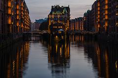 Wasserschloss zur Blauen Stunde
